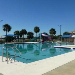 Spicola Family Pool